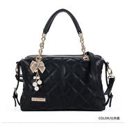 Стильная зимняя женская сумка черного цвета из кожи PU с жемчужной бро
