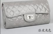 Стильная женская ручная сумка серого цвета из кожи PU