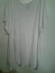 Белая  футболка.