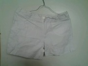 белые шорты  42-44р