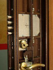 Замок дверной - врезка установка ремонт