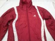 Продам женскую спортивную курточку