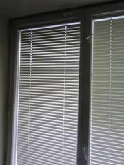 Внутрирамные (межрамные) горизонтальные жалюзи,  б/у,  стекло оконное