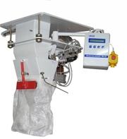 Весовой дозатор для дозирования сыпучих материалов в зашивные мешки