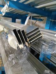 Алюминиевая профильная труба 200х40х3 мм 6060 Т6